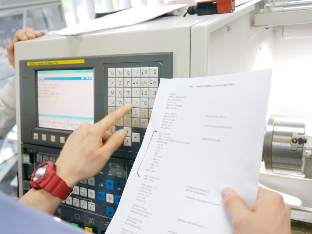CNC5: Programming and operation of CNC machines with FANUC